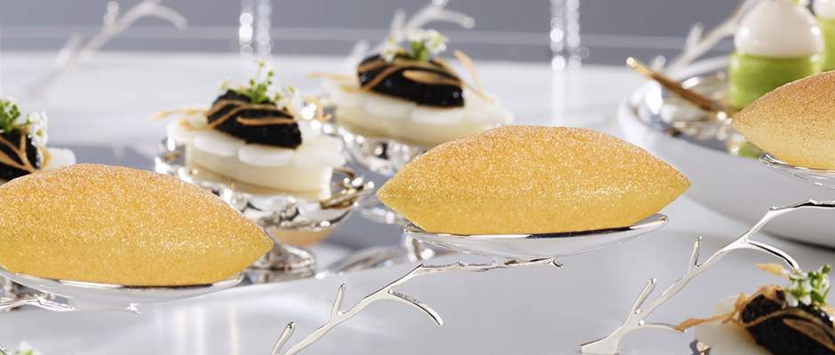 LyonPlatter garnish Pommes Soufflé on platter Team Norway 2019 Foto_Tom Haga 2